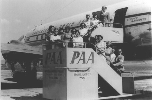 1953 An American Student group on the ramp at Vienna Austria.